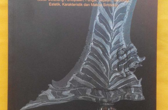 Buku : Keris Naga